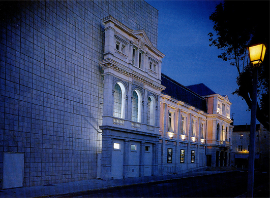 Théâtre de Villefranche-sur-Saône / façade